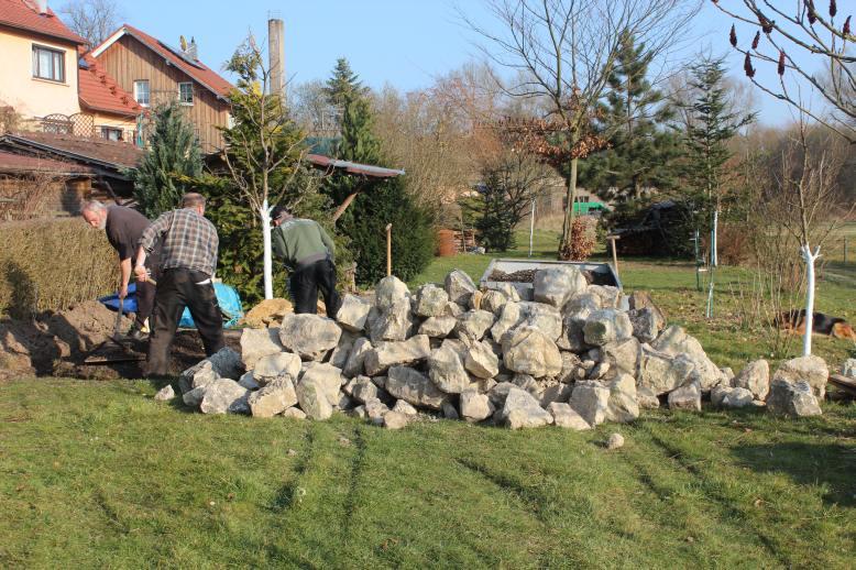Gartenmobel Rattan Fabrikverkauf :  Hänger losfahren, um noch ein paar Steine zu holen, die noch fehlten